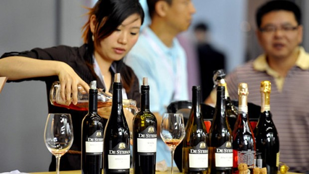 Women in China are embracing wine because it reflects their aspirational lifestyles and is considered healthier than many other alcoholic beverages. (China Foto Press)