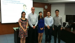 Chris Hassall with students at Sun Yat-sen University Business School.
