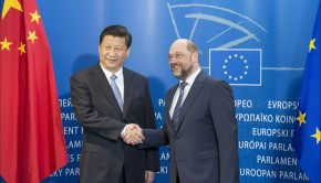 European Parliament President Martin Schulz welcomes Chinese President Xi Jinping. (Photo: © European Union 2014 - European Parliament)